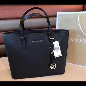 $278 Michael Kors Jet Set Handbag Purse